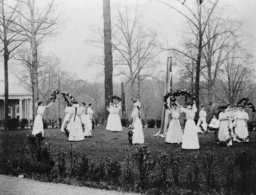 National-Park-Seminary-May-Day-1907